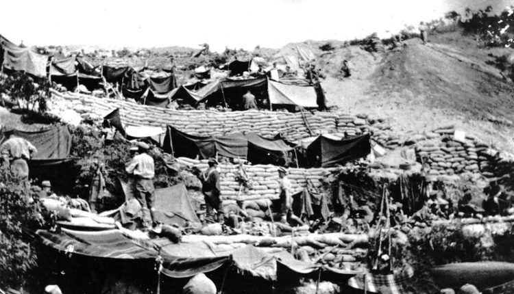 Anzac_Cove_encampment_1915